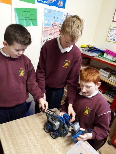 Robotics – Borris Bots build a robot and attend Dell Robotics Competition